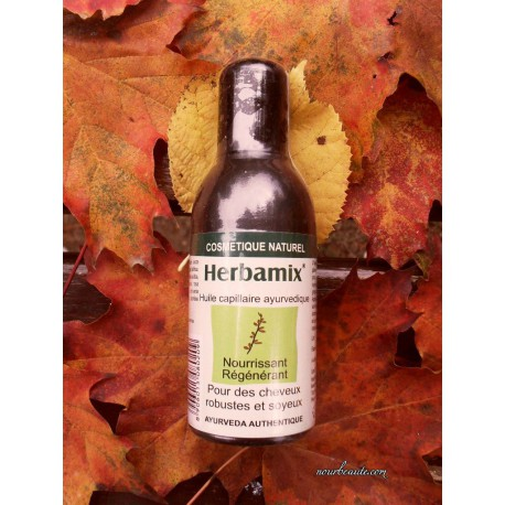 Herbamix Huile Capillaire Ayurvédique Nourrissante aux 12 plantes, 100 ml